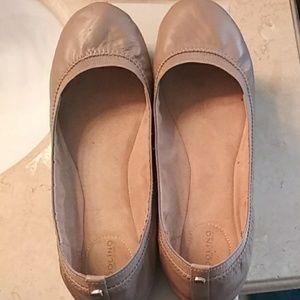 Bandolino Nude Leather Flats